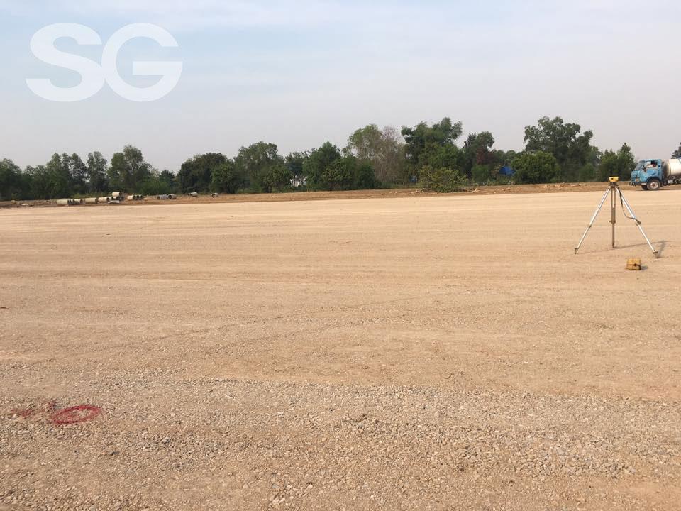 Làm nền sân bóng đá cỏ nhân tạo