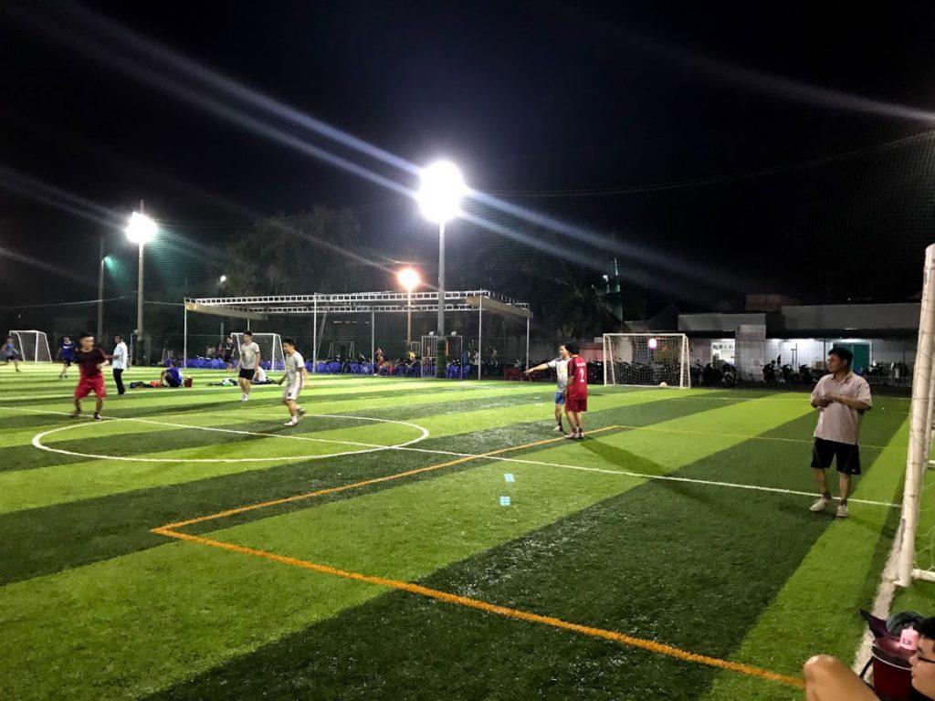 Làm sân bóng đá mini cỏ nhân tạo Phan Thiết